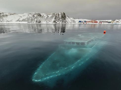 sunken antarctica yacht